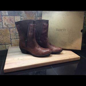 Born Mila Ladies boots